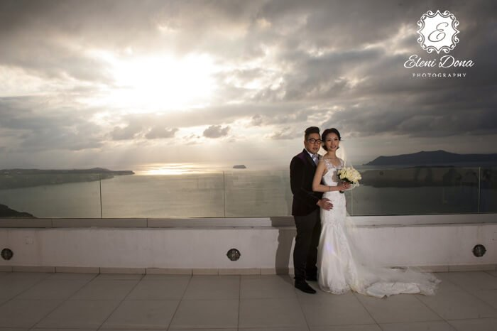 santorini wedding in santo wines