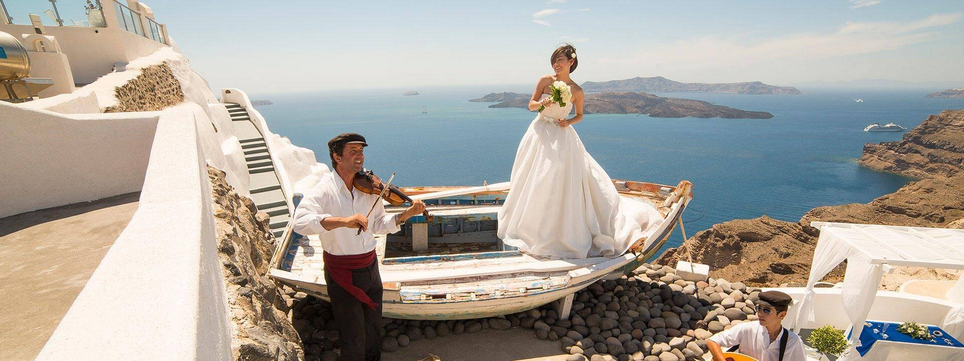santorini-wedding-villa-eirini-01